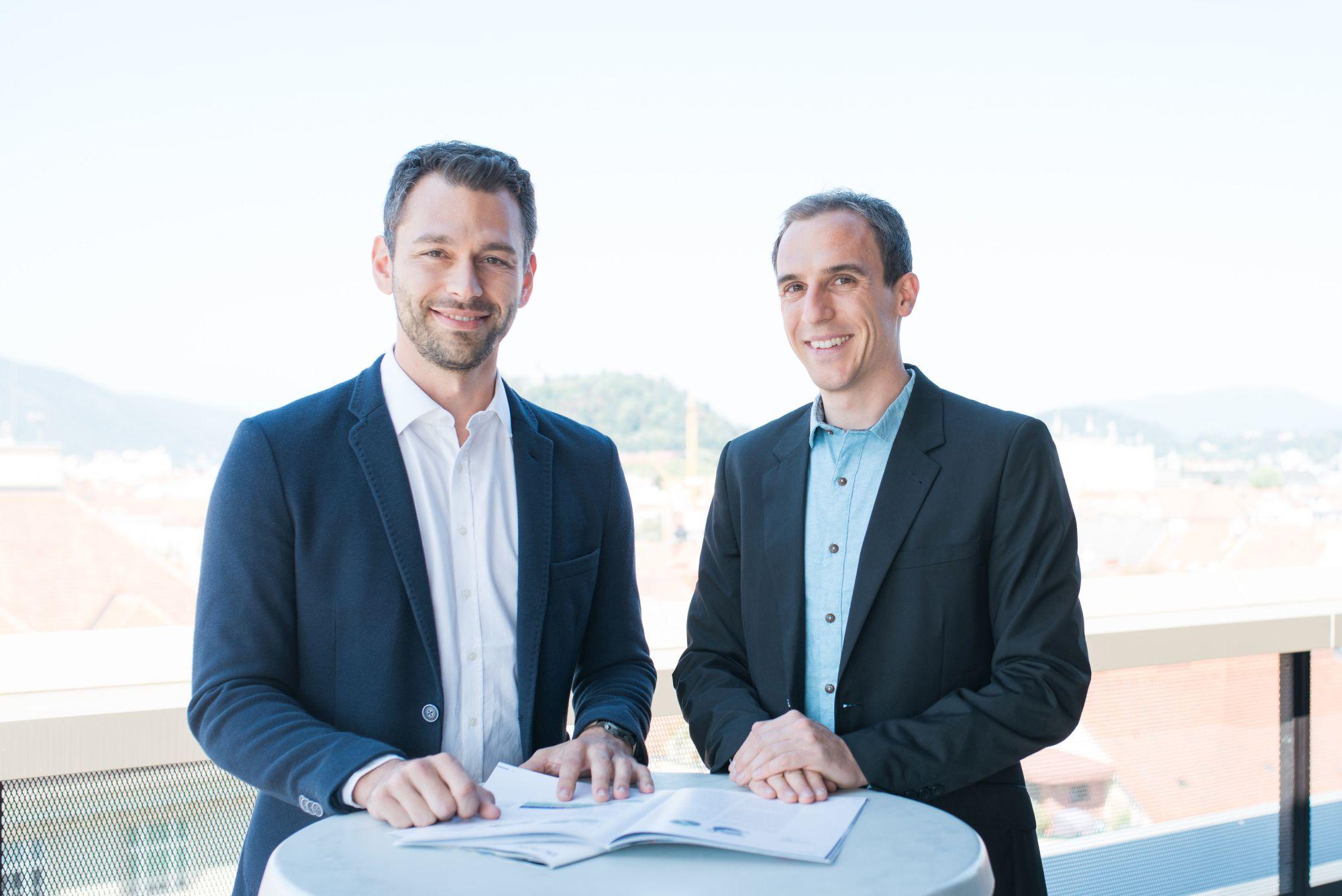 01-kmlvision-founders-2-c-GKartworks